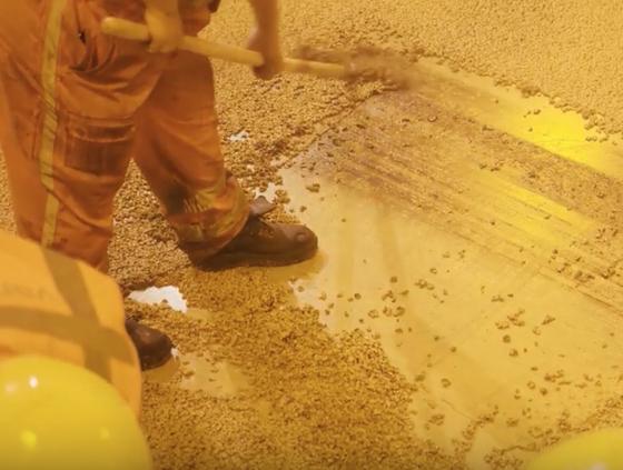 VIDEO: geel asfalt